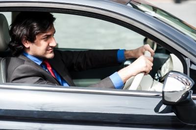 Obtenez votre permis international  – SuperExpat.fr / Conduire à l'étranger